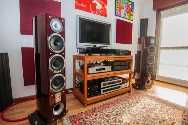 Trattamento acustico con pannelli AkuPan in una sala HIFI
