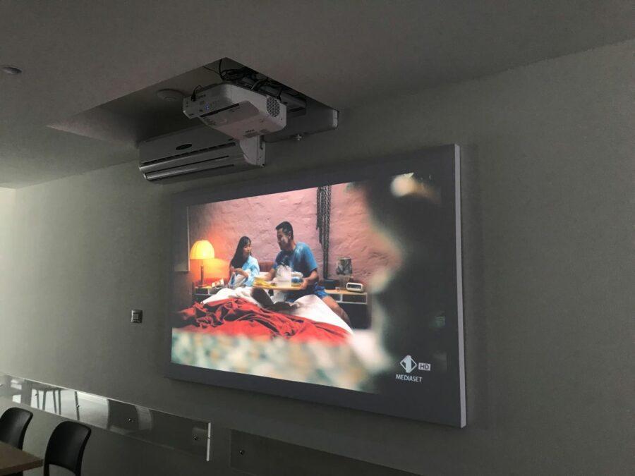panneli fonoassorbenti per videoproiezione - schermi acustici