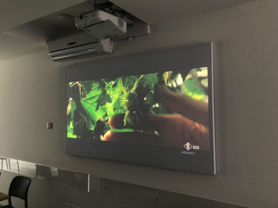 pannelli acustici per videoproiezione